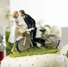 wedding favors unlimited bicycle and groom wedding cake topper