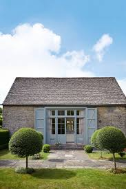 Home And Design Uk Emma Burns Barn Conversion Guest Annex Library Real Homes