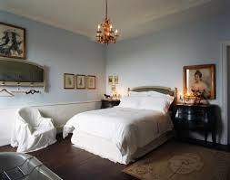 Small Chandeliers For Bedrooms by Awesome Small Chandeliers For Bedroom Images Decorating Design
