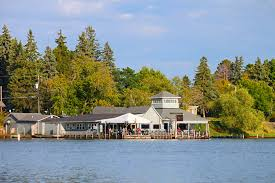 10 best family destinations for lake house rentals family