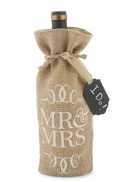 amazon com mud pie mr and mrs burlap wine bag kitchen u0026 dining