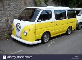 new volkswagen bus yellow volkswagen camper van stock photos u0026 volkswagen camper van stock