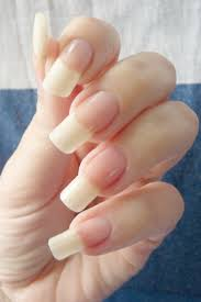 don u0027t want my nails this long but her hands are beautiful