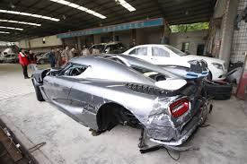 koenigsegg crash chinese man wrecks 4 1 million swedish supercar