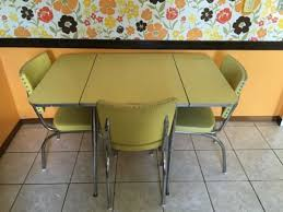 Mid Century Modern Yellow Formica Kitchen Table With Chairs - Formica kitchen table