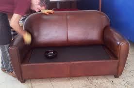 teinter un canapé en cuir peut on teindre un canapé en cuir maisoneen