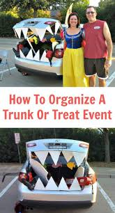 how to plan a halloween party on a budget 374 best halloween happiness images on pinterest