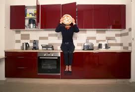 image de cuisine ouverte avec la cuisine ouverte fini de mijoter