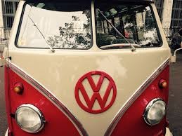 volkswagen bus wallpaper white and red volkswagen vintage van free image peakpx