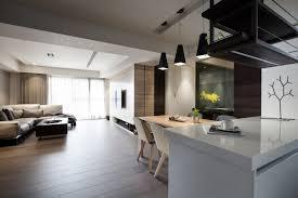 cuisine lambris design interieur parquet foncé salon moderne cuisine ouverte