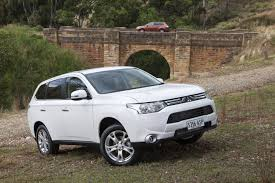 mitsubishi suv 2013 review mitsubishi outlander review and road test