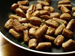 cuisiner les chataignes fraiches gnocchi à la châtaigne cookismo recettes saines faciles et
