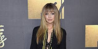 hairstyles with fringe bangs 10 gorgeous hairstyles with bangs best celebrity fringe haircuts