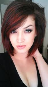 casual shaggy hairstyles done with curlingwands 20 short hairstyles for girls with or without curls 1 cowlick