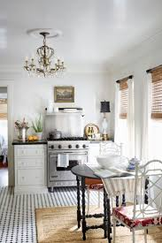 Designer White Kitchens by Best 25 Small Cottage Kitchen Ideas On Pinterest Cozy Kitchen