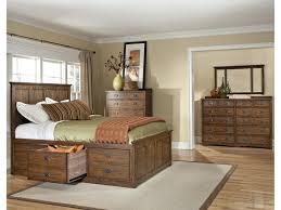 Modus Yosemite Bedroom Set Intercon Oak Park Solid Oak Bed With Cedar Drawers Old Brick