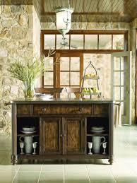 locking kitchen cabinets