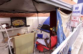 what were the best black friday deals black friday shoppers set up camp outside best buy tbo com