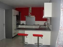 table cuisine grise deco cuisine grise et decoration gris maison design bahbe com
