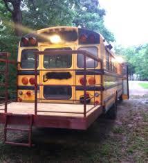 Skoolie Floor Plan Ils Ont Transform Un Bus Magique En Habitation De Bus Tiny Home