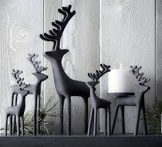 Christmas Reindeer Decoration Ideas by Best 25 Modern Christmas Ideas On Pinterest Modern Christmas