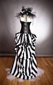 White Corset Halloween Costumes 25 Black White Costume Ideas Victorian