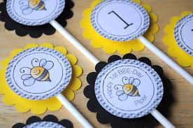 bumble bee decorations 12 birthday cupcake toppers bumble bee theme happy bee day