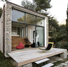 a 377 sq ft studio retreat in italy with a stepped floor plan to