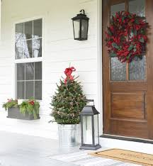 our farmhouse christmas front porch beneath my heart