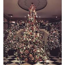 Kris Jenner Backyard Kim Kardashian West Shows Off Kris Jenner U0027s Insane Christmas