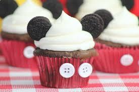 mickey mouse cupcakes disney mickey mouse inspired cupcakes tutorial disneyside