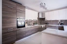 grande cuisine moderne image de la grande cuisine de luxe am nag dans un design moderne