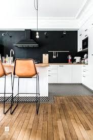 cuisine sol parquet très beau plan de travail sol parquet bar de cuisine ouverte