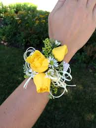 Corsage And Boutonniere Cost Classic Rose Yellow And White Boutonniere And Corsage Wedding