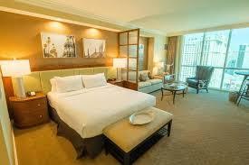 One Bedroom Luxury Suite Luxor Book Stripview Luxury Suite At The Signature In Las Vegas Hotels Com