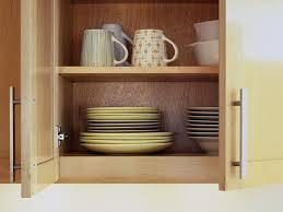 frequence cuisine à quelle fréquence devez vous nettoyer les armoires de cuisine