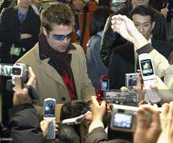 fotos e imagens de ocean u0027s twelve stars arrive in japan getty images