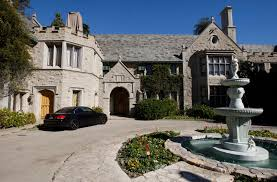 Mansion Plans New Owner Of The Playboy Mansion Plans Expansion Aol Finance