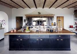 grande cuisine avec ilot central arlot central cuisine equipee avec ilot grand de