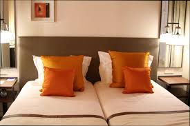 chambre orange et marron chambre deco deco chambre orange marron