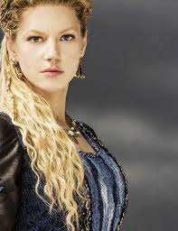 how to plait hair like lagertha lothbrok lagertha is the first wife of ragnar lothbrok costumes