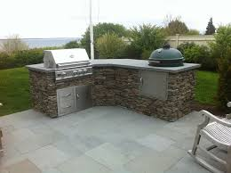 Outdoor Kitchen Patio Ideas Best 25 Small Outdoor Kitchens Ideas On Pinterest Grill Station