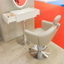 leather beauty salon chair with footrest with reclining back