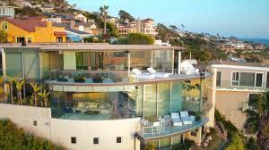paul mcclean designed floating glass house in laguna beach