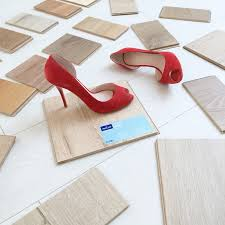 how to choose the best laminate flooring for your home and lifestyle