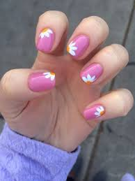 best 25 flower nails ideas on pinterest daisy nail art daisy