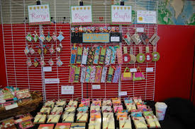 this lady makes cute inexpensive items for craft fairs on her
