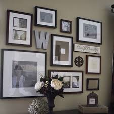 Picture Frame Hanging Ideas Best 25 Picture Frame Walls Ideas On Pinterest Wall Frame