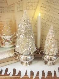 Shabby Chic Christmas Tree by Best 25 Vintage White Christmas Ideas On Pinterest White
