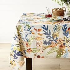 Table Runners Cover It Up Shop Table Linens For Holiday And Everyday Crate And Barrel